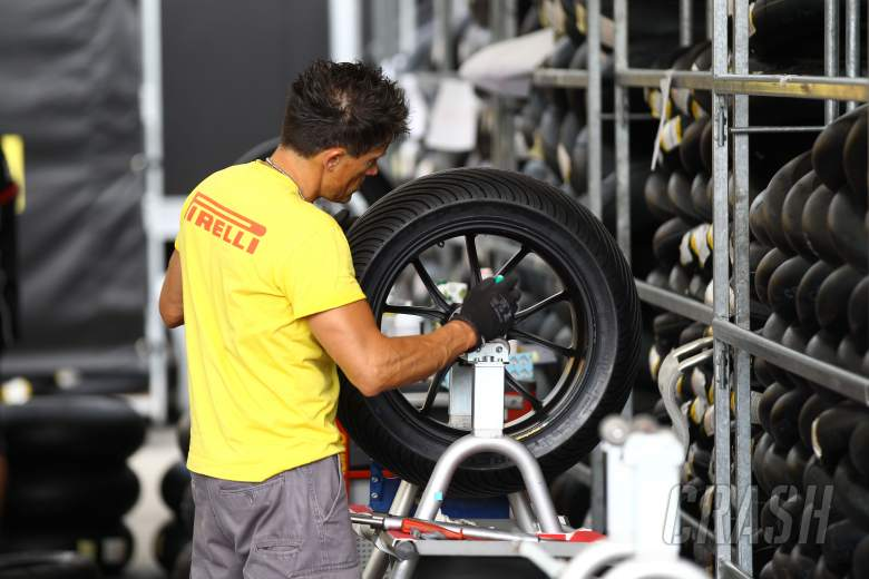 Pirelli tyre fitter, Misano WSBK 2012
