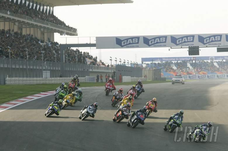 Melandri, Gibernau lead, Start, Turkish MotoGP, 2005