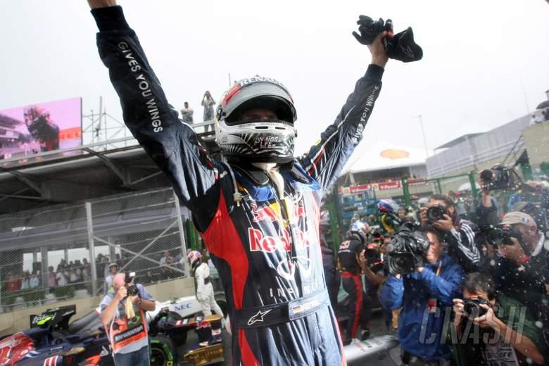 25.11.2012- Race, Sebastian Vettel (GER) Red Bull Racing RB8, world champion 2012