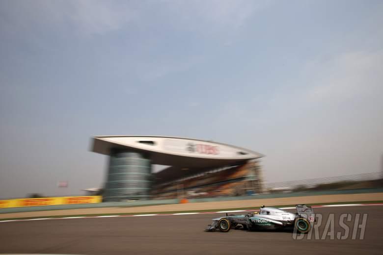 12.04.2013- Free Practice 2, Lewis Hamilton (GBR) Mercedes AMG F1 W04