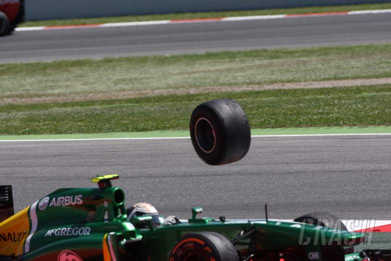 12.05.2013-  Race, Crash, Giedo Van der Garde (NED), Caterham F1 Team CT03