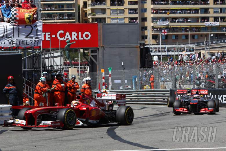 ,  - 26.05.2013- Race, Fernando Alonso (ESP) Scuderia Ferrari F138 leads Jenson Button (GBR) McLaren Merc