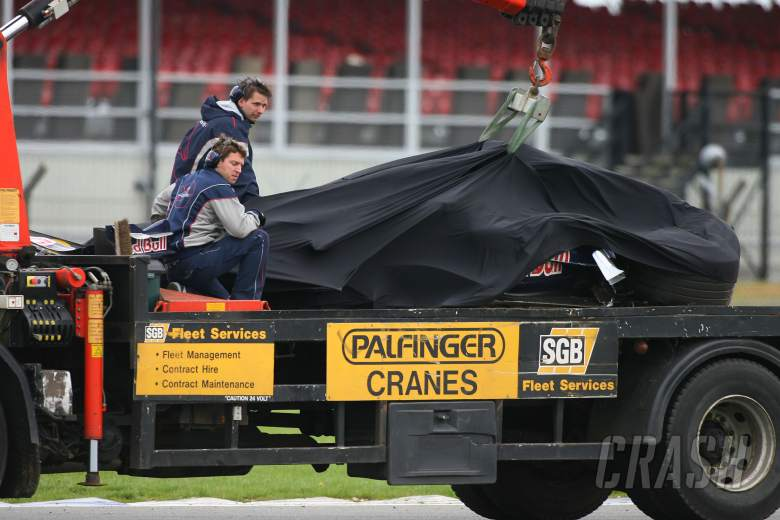 Vitantonio Liuzzi suffers a big testing crash while running with Red Bull Racing, Formula One Test