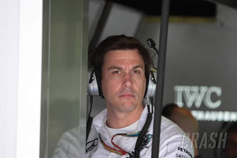 Hamilton cost Rosberg win chance - Wolff