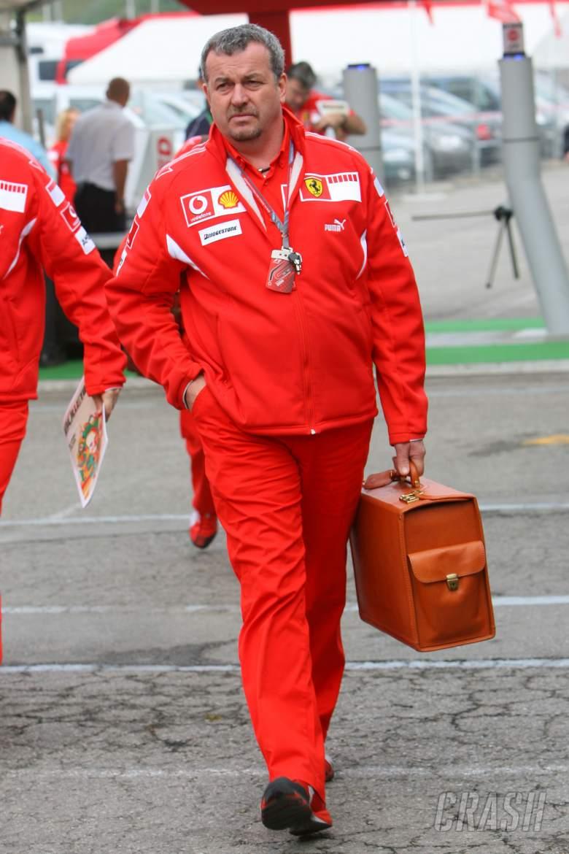 13.05.2006 Granollers, Spain, . Nigel Stepney (GBR), Scuderia Ferrari, Race technical manager - Form