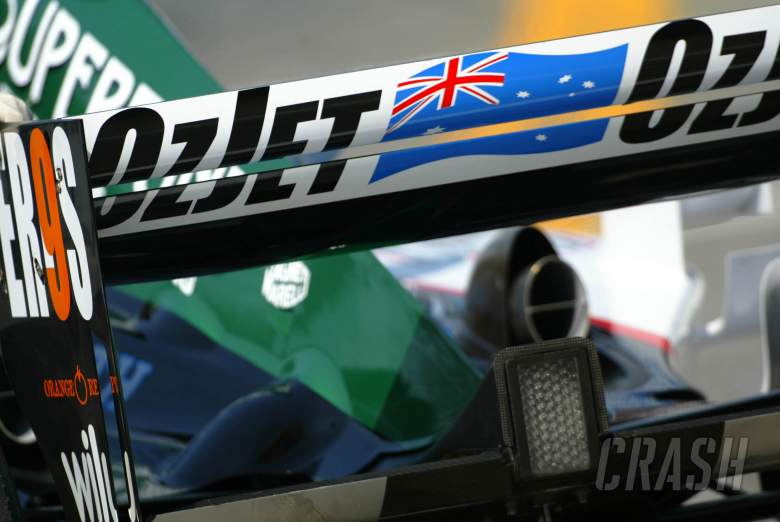 Minardi rear wing highlights Paul Stoddart`s budget Australian airline