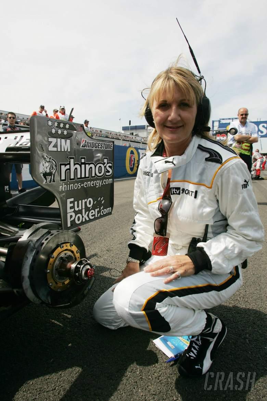 11.06.2006 Silverstone, England, . Louise Goodman (GBR) ITV-F1, is a Midland MF1 Racing pit crew mem