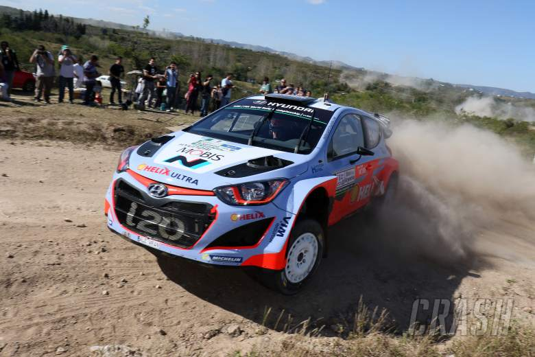 "Neuville ""incredibly disappointed"" with late error"