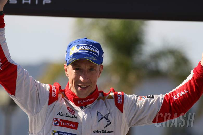 Meeke signs three-year contract with Citroen