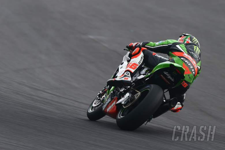Sykes surges to the top on home turf