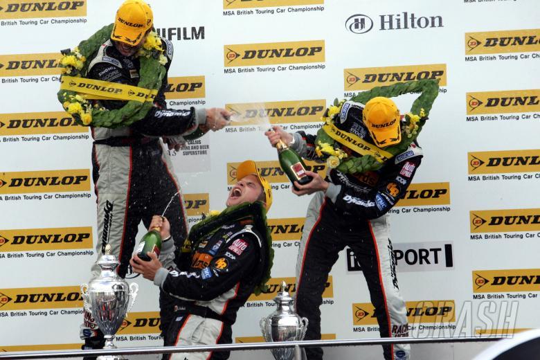 , , Podium race 3 - Gareth Howell (GBR), Team Halfords Team Dynamics Honda, Matt Neal (GBR), Team Halfor
