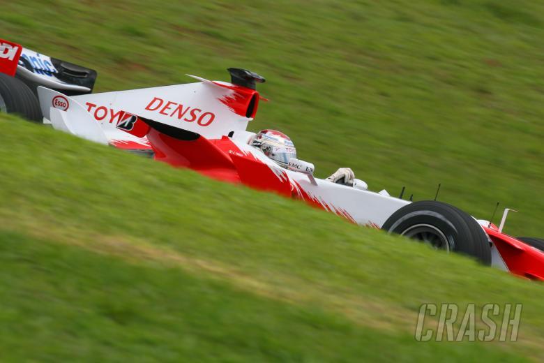 21.10.2006 Sao Paulo, Brazil, Jarno Trulli (ITA), Toyota Racing, TF106 - Formula 1 World Championshi
