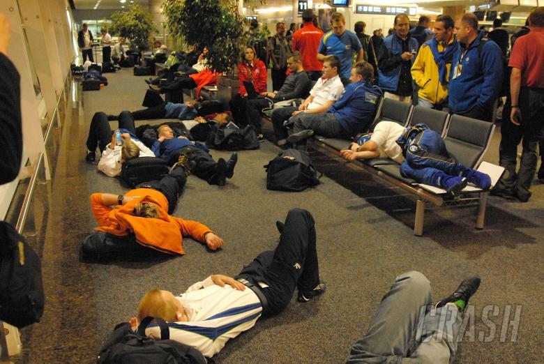 , , The drivers and teams wait at Buenos Aires airport. Rally Argentina, May 3-6 2007.