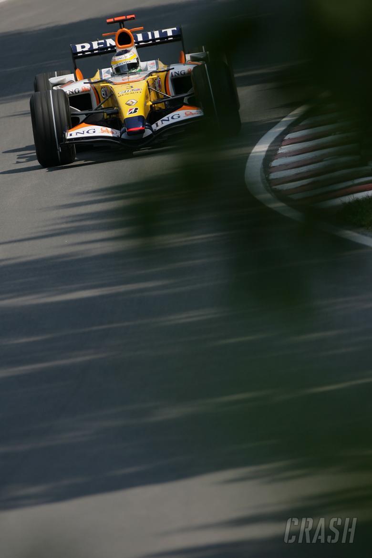 Giancarlo Fisichella (ITA) Renault RS27, Canadian F1 Grand Prix, Montreal, 8th-10th, June 2007