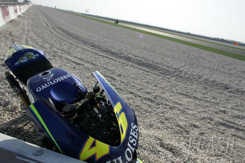 Rossi`s crashed Yamaha, Qatar MotoGP, 2004