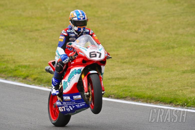 , , 67. Shane Byrne Airwaves Ducati, Ducati 1098R F08 celebrates his win in race one