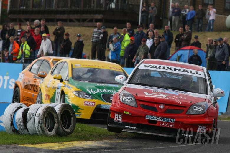 Tom Onslow-Cole (GBR) - VX Racing Vauxhall Vectra