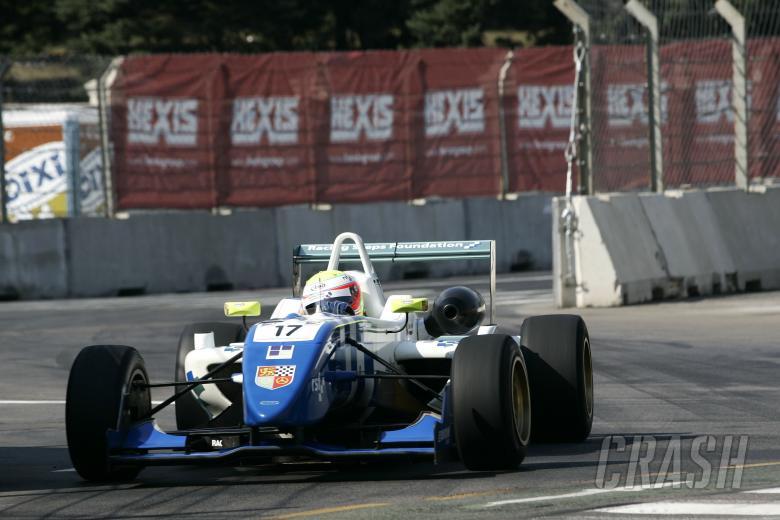 Oliver Turvey (GBR) - Carlin Motorsport Dallara Mercedes