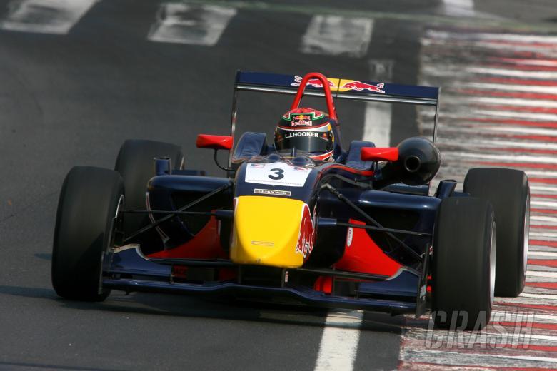 Brendon Hartley (NZL) - Carlin Motorsport Dallara Mercedes