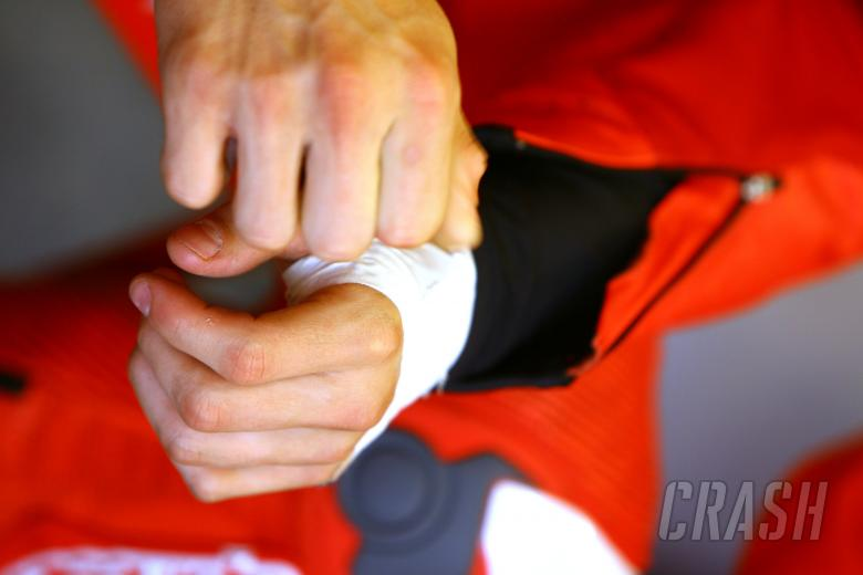 Stoners injured hand, Indianapolis MotoGP 2008