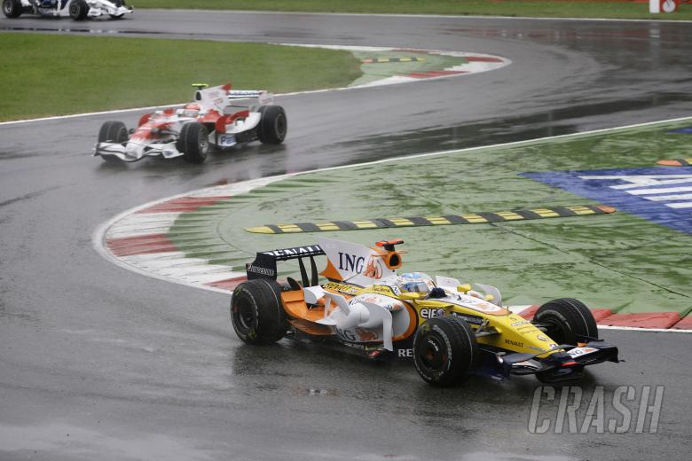 Fernando Alonso (ESP) Renault R28, Italian F1 Grand Prix, Monza, 12th-14th, September, 2008