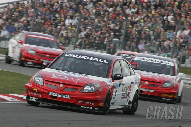 Matt Neal (GBR) VX Racing Vauxhall Vectra