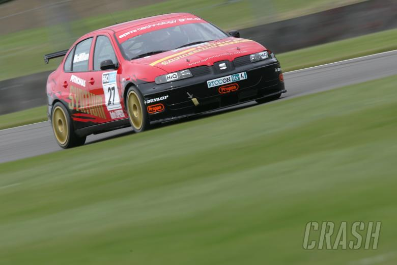 Liam McMillan (GBR) - Maxtreme SEAT Toledo Cupra