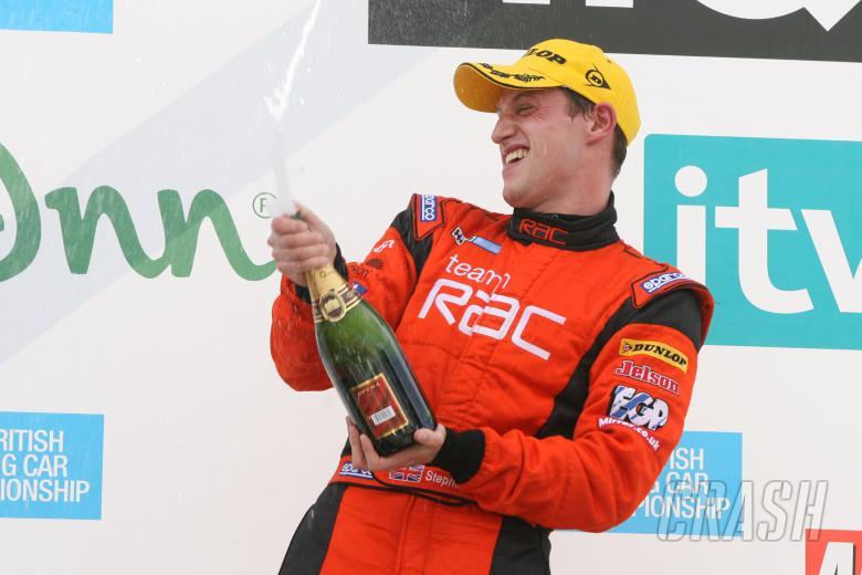 Stephen Jelley (GBR) - Team RAC BMW 320si E90, Babe