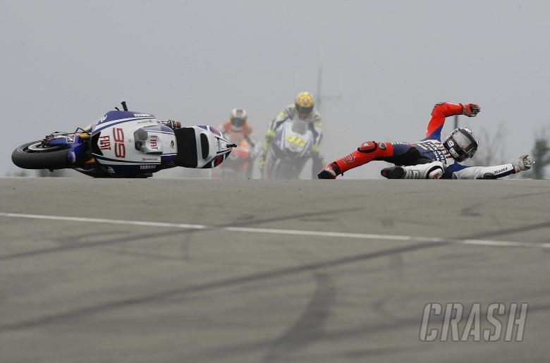 Lorenzo crash, British MotoGP 2009