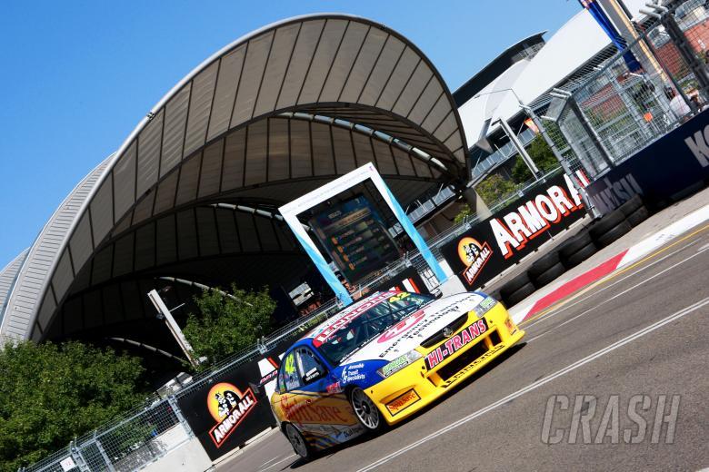 James Winslow (GB) Holden Commodore VZ Rd 8 Fujitsu V8 Supercar Championship Sydney Telstra 500