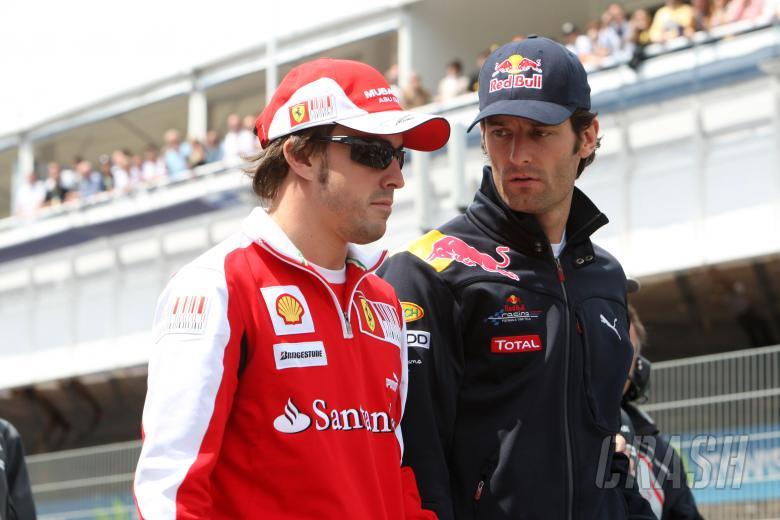 Sunday, Fernando Alonso (ESP), Scuderia Ferrari, F10 and Mark Webber (AUS), Red Bull Racing, RB6