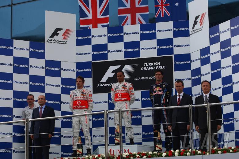 Race, Lewis Hamilton (GBR), McLaren  Mercedes, MP4-25 race winner, Jenson Button (GBR), McLaren  Mer