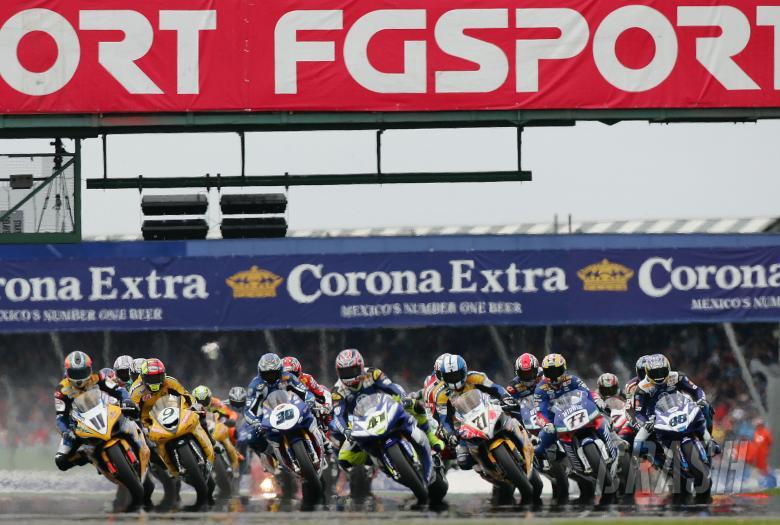 , , Start, Race 1, Silverstone WSBK, 2005
