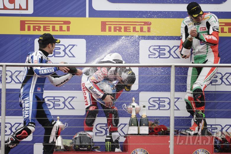 Melandri, Checa, Camier, Donington WSBK Race 2 2011