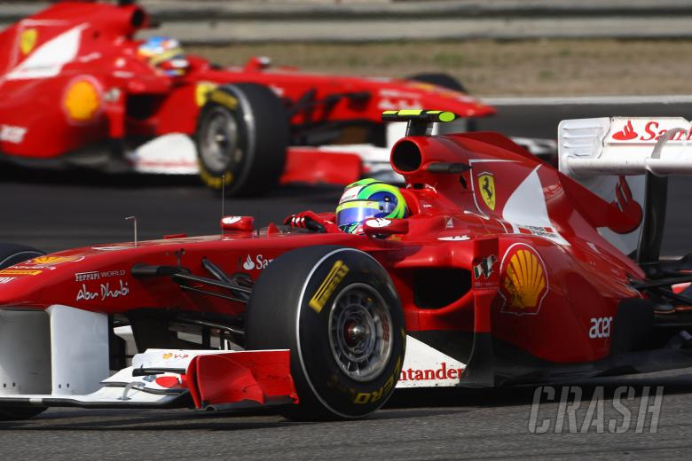 17.04.2011- Race, Felipe Massa (BRA), Scuderia Ferrari, F-150 Italia leads Fernando Alonso (ESP), Sc