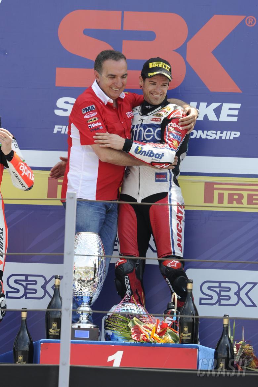 Checa, Bevilacqua, Misano WSBK Race 1 2011