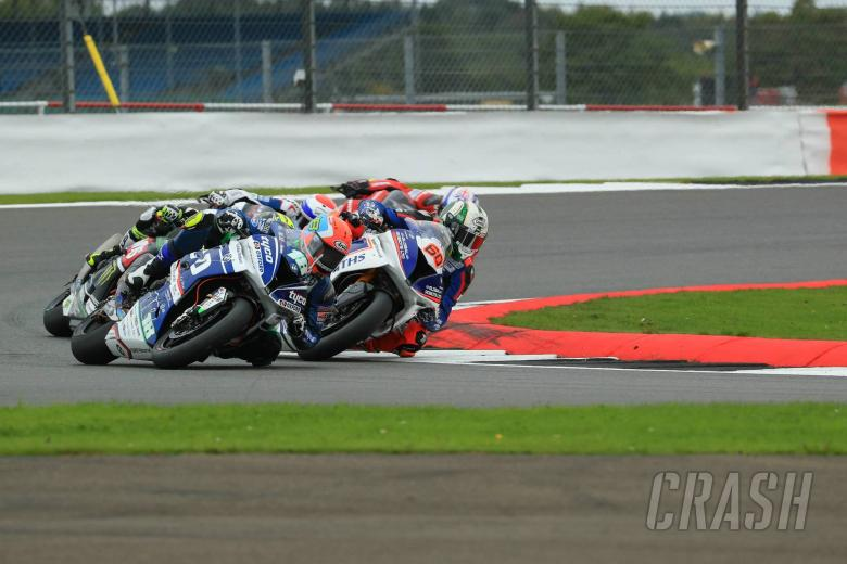 British Superbikes: Reid set for operation on fractured femur