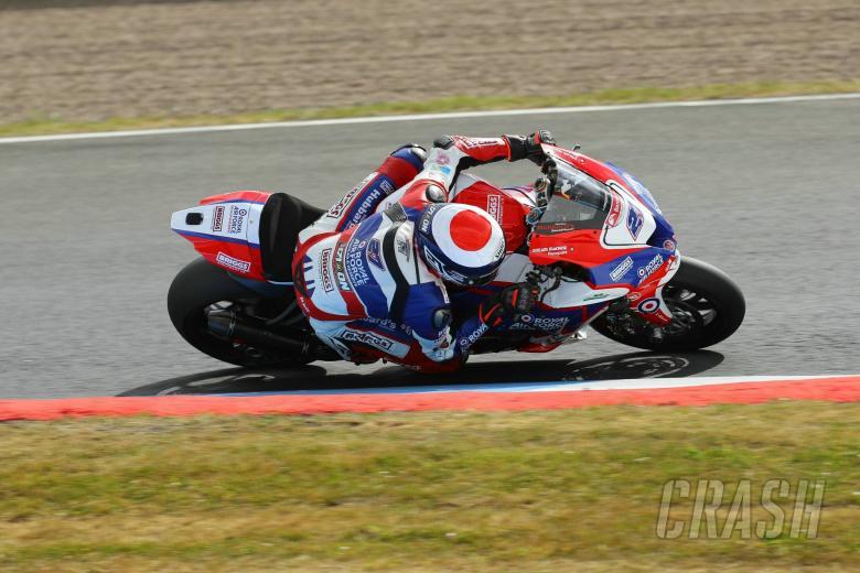 British Superbikes: Dixon wins Knockhill opener