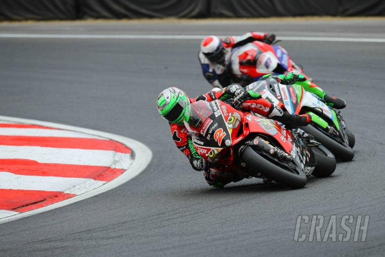 British Superbikes: Irwin: BSB title fight between multiple riders