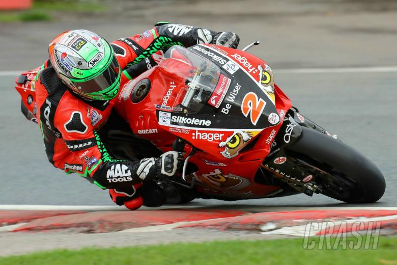 British Superbikes: Irwin edges Dixon in FP2, Haslam P6