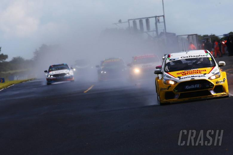 Chilton hails 'perfect weekend' after race three win