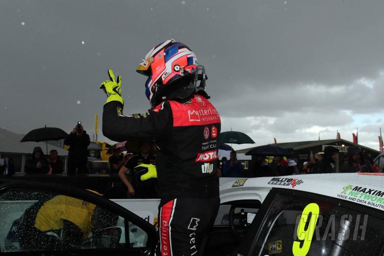 Collard pleased with Thruxton podium finish