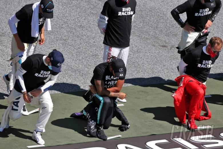 Grosjean meminta maaf kepada Hamilton atas upaya anti-rasisme pembalap F1