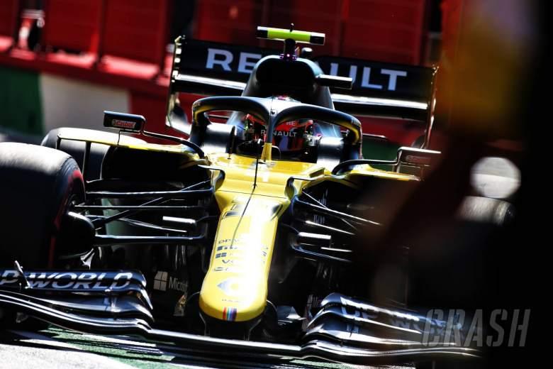 Esteban Ocon (FRA) Renault F1 Team RS20.