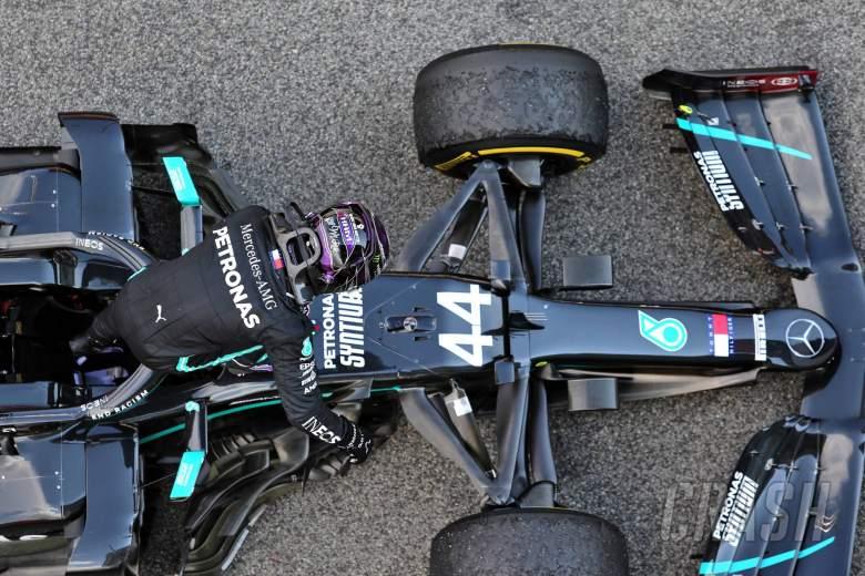 Race winner Lewis Hamilton (GBR) Mercedes AMG F1 W11 in parc ferme.