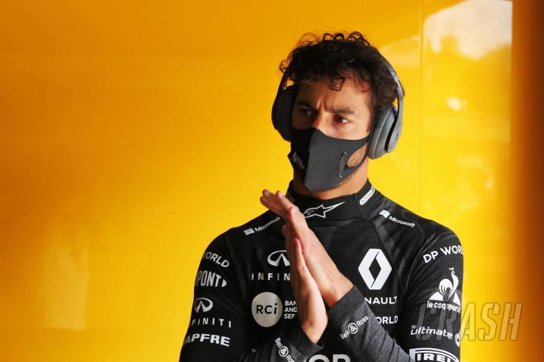 """Ricciardo: """"Putus asa"""" Stroll layak mendapat penalti untuk langkah F1 Styrian GP"""