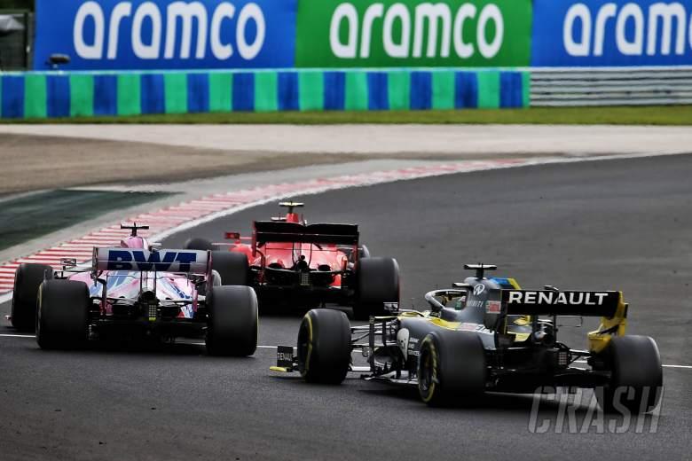 Charles Leclerc (MON) Ferrari SF1000 leads Sergio Perez (MEX) Racing Point F1 Team RP19 and Daniel Ricciardo (AUS) Renault F1 Team RS20.