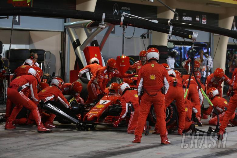 F1: Ferrari mechanic suffers leg fractures in Raikkonen accident