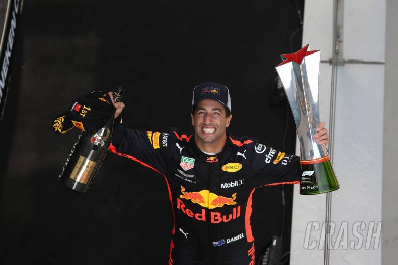 Ricciardo undergoes lip surgery after Chinese GP
