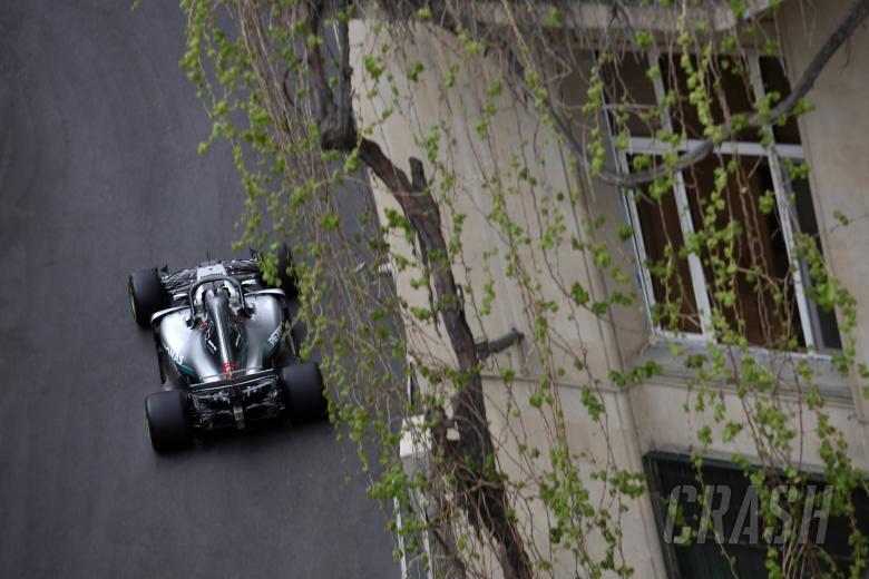 F1: Hamilton plans overnight engineer talks in bid to fix Merc issues